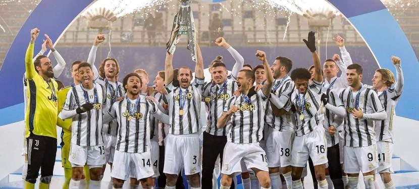 Juventus remporte la Supercoupe d'Italie2021